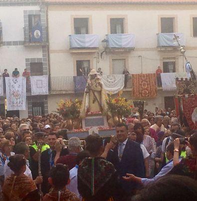 La Plaza de España acoge por primera vez a la Patrona de Coria