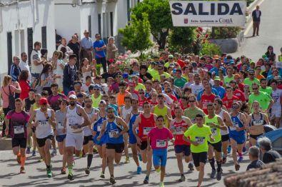 Manuel Petrón y Macarena Muñoz ganan la carrera de la subida a la Ermita