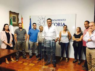 El Alcalde muestra su preocupación ante el posible  cierre de los Chiringuitos de verano