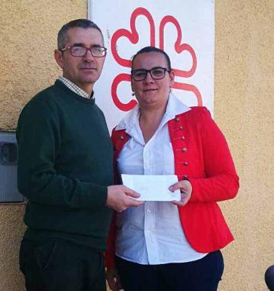 La Hermandad de Resucitado y Rosario entrega un donativo a AXPAY