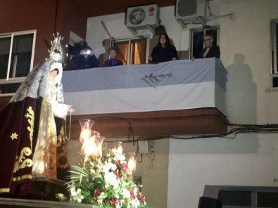 Diana Martín cantando una saeta a la Virgen