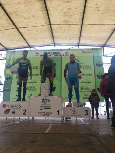 Buena actuación de miembros del Club Ciclista Cauriense en el Open de Maratón BTT Extremadura de Cabeza la Vaca